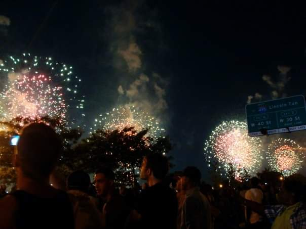 Fireworks off the Hudson River, NYC, 2009